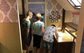 Kinderen in de trailer bij het gedeelte van Henk.