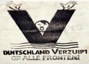 Duitschland verzuipt op alle fronten.